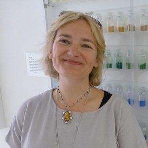 Victoria Finlay, author